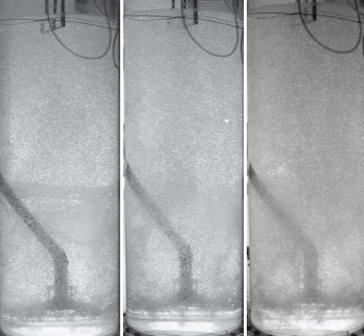 Eksperimentalna študija porazdelitve deleža plinaste faze v dvodelni koloni z mehurčki